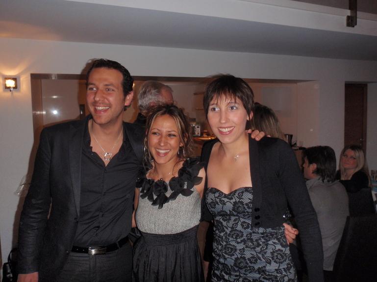 Audrey ( à droite) en compagnie de ses cousins Marina et Steeve