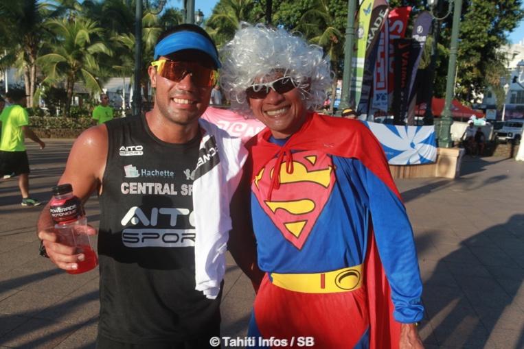 Belle troisième place pour Winsy Tama, ici avec le champion de marathon Tutea Degage