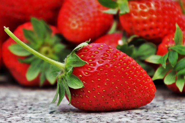 Mystère des fraises piégées: une aiguille découverte dans un fruit en Nouvelle-Zélande