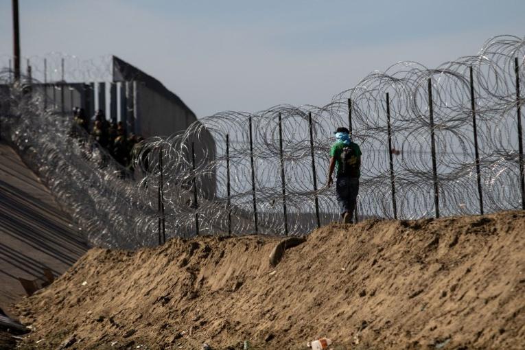 Mexique: la désillusion gagne la caravane de migrants après l'échec du passage en force
