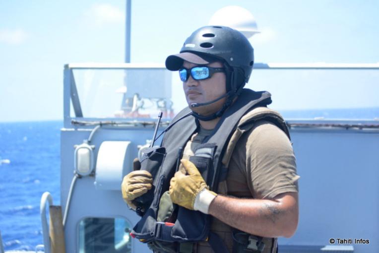 Karl de retour d'une mission de police des pêches, où il a piloté le Zodiak de l'équipe de visite.