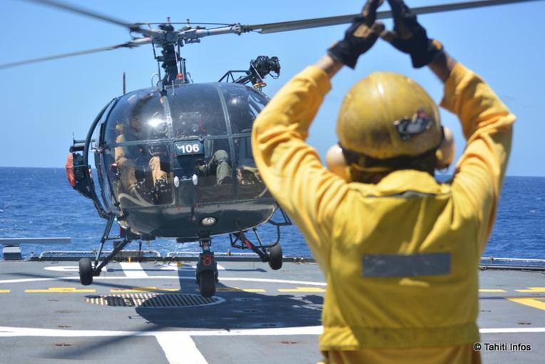L'hélicoptère Alouette III peut surveiller une large zone, jusqu'à 80 miles nautiques du Prairial.