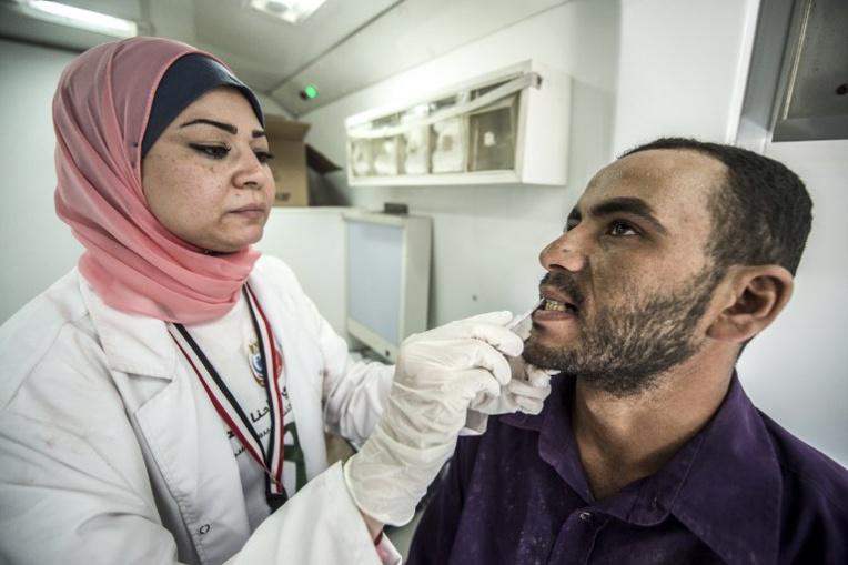 Hépatite C: maintien du brevet d'un médicament, les ONG font appel