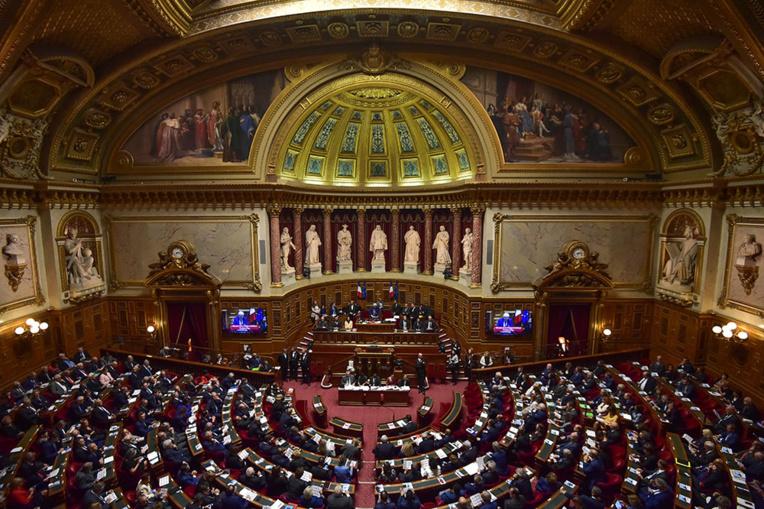 Indemnisation des essais nucléaires en Polynésie: feu vert du Sénat à une hausse des crédits