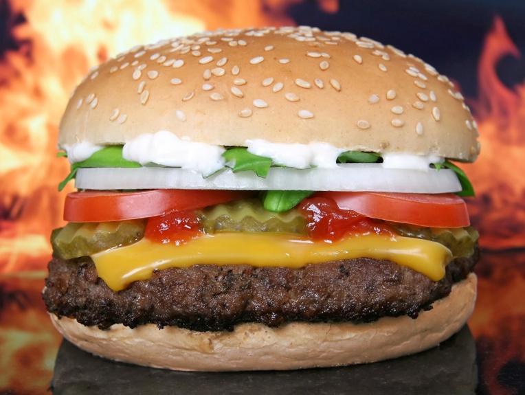 McDonald's veut réduire l'utilisation d'antibiotiques dans ses burgers