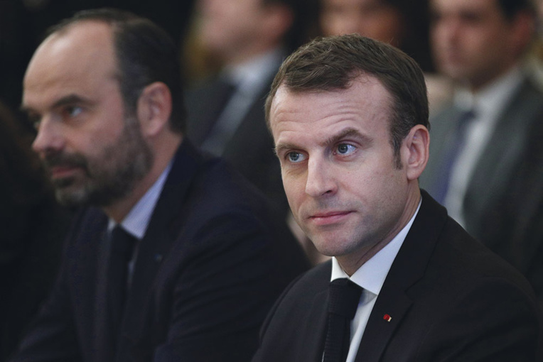 """Le gouvernement se presse pour mettre en œuvre les gestes promis aux """"gilets jaunes"""""""