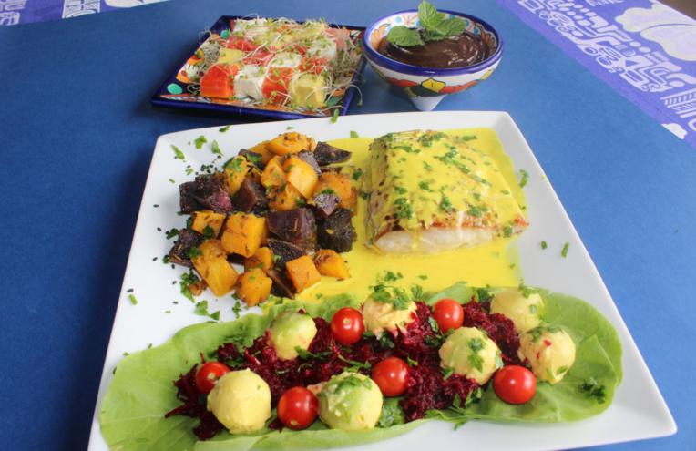 un repas festif pour moins de 1200 francs par personne, comprenant une entrée, un plat et un dessert.