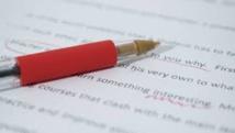 """Après les """"gilets jaunes"""", les """"stylos rouges"""": des profs expriment à leur tour leur colère"""