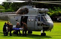 L'hélicoptère français Puma a permis l'évacuation rapide, en mode multinational, d'un blessé australien souffrant d'une hémorragie externe (source photo : US Pacific Command)