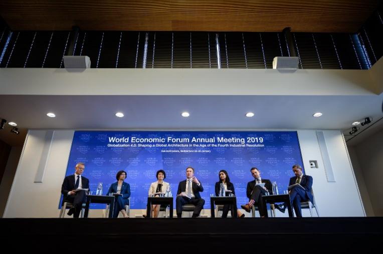 """Le monde avance en """"somnambule"""" vers le désastre climatique, craignent les organisateurs à Davos"""