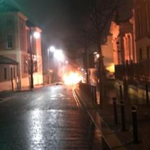 Nouvel état d'alerte à Londonderry, après l'explosion du week-end