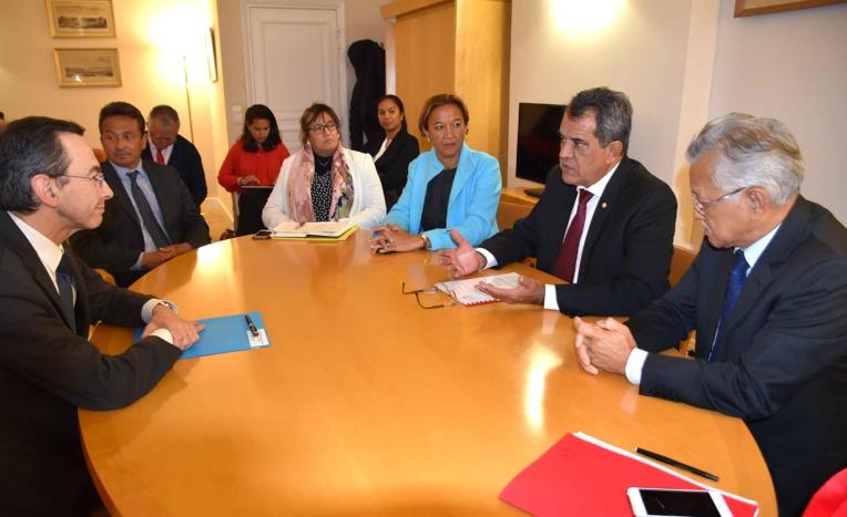 Edouard Fritch rencontre six groupes parlementaires au Sénat