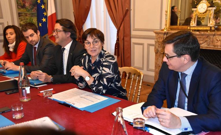 L'Etat et le Pays s'accordent sur le projet de toilettage statutaire