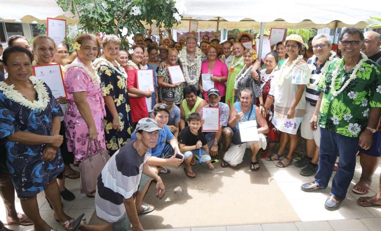 Les familles étaient conviées à une cérémonie de remise de bons et de clefs à l'OPH.