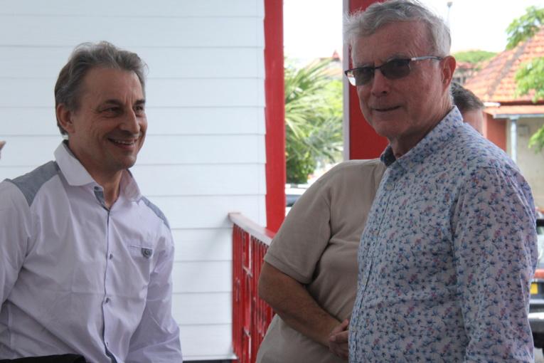Dominique Auroy (à droite), PDG du groupe la Dépêche de Tahiti ce lundi au tribunal mixte de commerce (TMC) de Papeete.