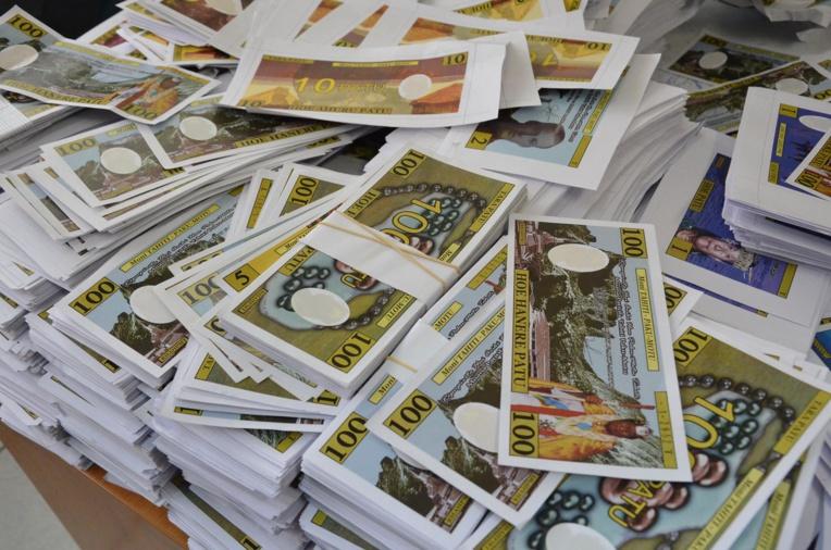 Les Pakumotu réclament la restitution de leur fausse monnaie