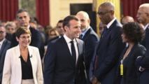 Vie chère en Outre-mer: Emmanuel Macron accuse les sur-rémunérations et les monopoles