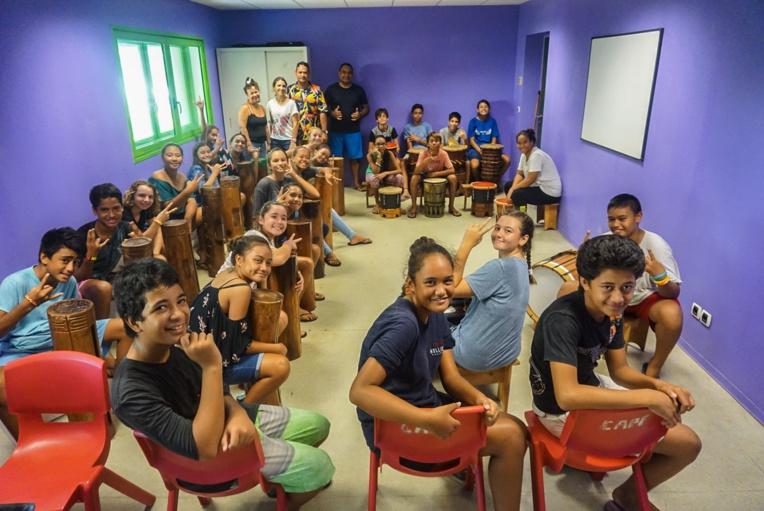 Des collégiens de Moorea initiés aux arts traditionnels