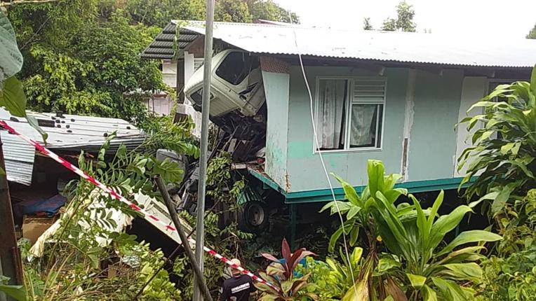 Le chauffeur du camion qui avait percuté une maison est décédé