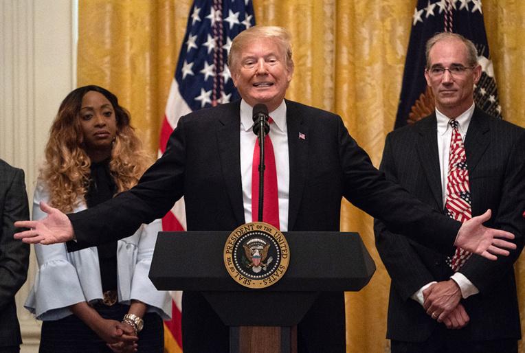Trump en prime time face au Congrès, l'élection de 2020 à l'esprit