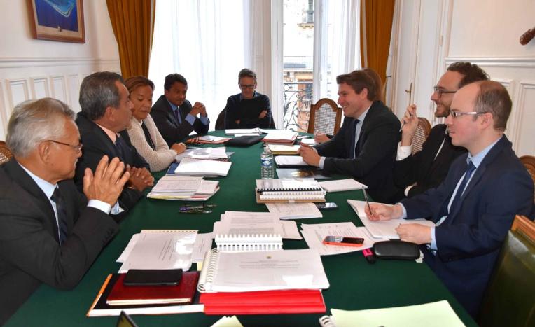 Le 21 janvier, lors de l'entretien entre le président Edouard Fritch et Mathieu Darnaud, sénateur de l'Ardèche, rapporteur du projet de loi organique modifiant le statut de la Polynésie française et du projet de loi.
