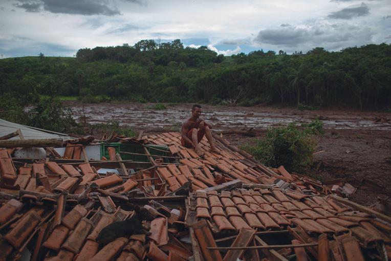 Effondrement d'un barrage au Brésil : 150 corps retrouvés, 182 disparus