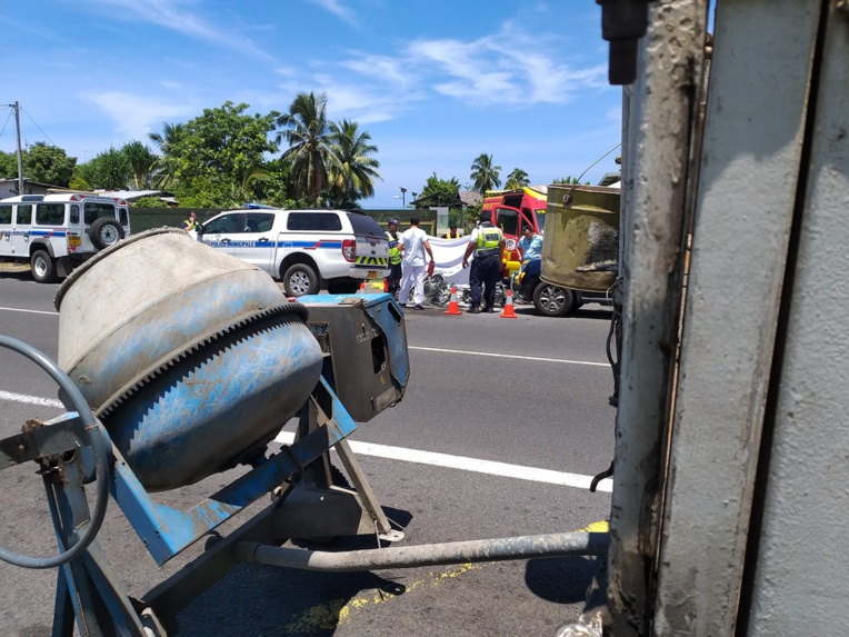 Un scootériste se tue sur la route à Paea