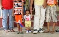 L'homme le plus petit du monde est un Philippin de 59,93 cm