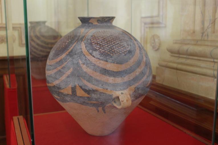 Des antiquités exposées à la présidence, certaines ont 10 000 ans