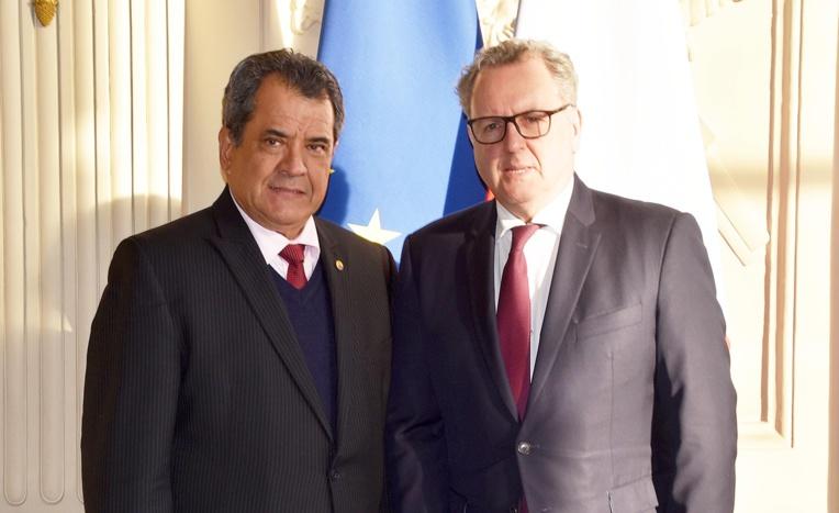 Edouard Fritch reçu par le président de l'Assemblée nationale