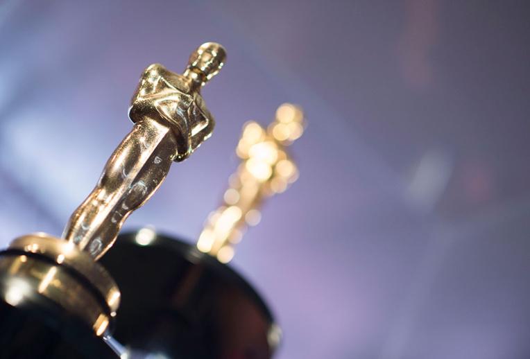 Quand les organisateurs des Oscars se prennent les pieds dans le tapis rouge