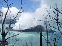Le volcan d'Ambae placé à son tour sous vigilance