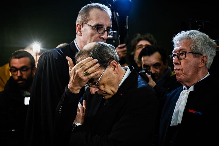 Coup de tonnerre sur l'Église: Barbarin condamné pour ses silences sur un prêtre pédophile