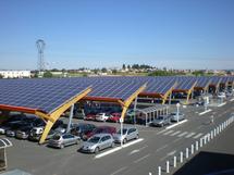 """Photovoltaïque: NKM promet """"plus de visibilité"""" aux industriels"""