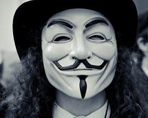 """Anonymous: 16 """"hackers"""" présumés arrêtés aux USA, 5 en Europe (FBI)"""