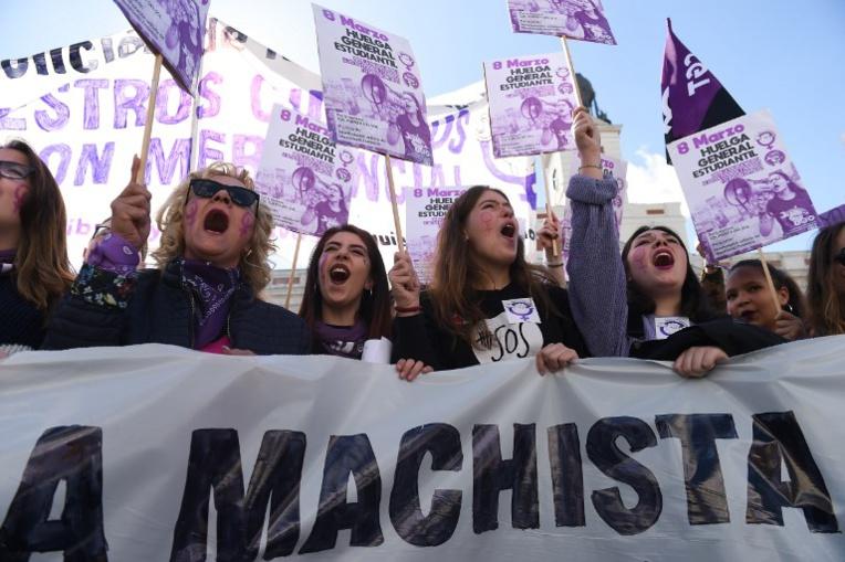 Droits des femmes: haro sur les inégalités de salaire et les violences conjugales