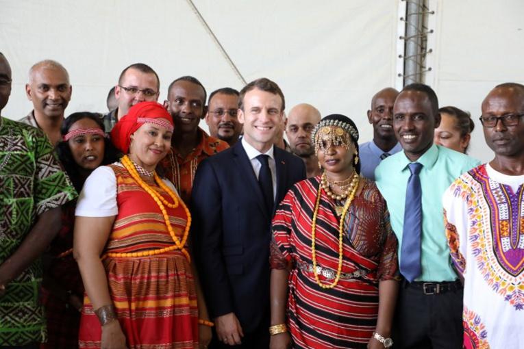 "A Djibouti, Macron vante des partenariats ""respectueux"""
