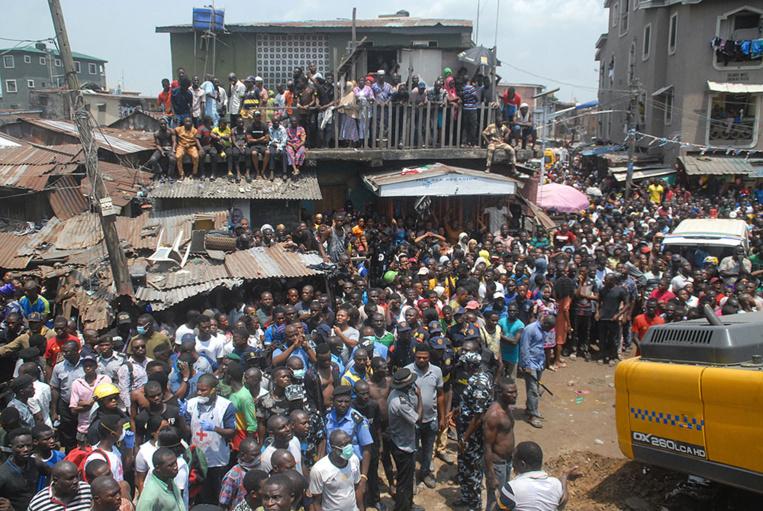 Nigeria: un immeuble s'effondre à Lagos, des écoliers pris au piège