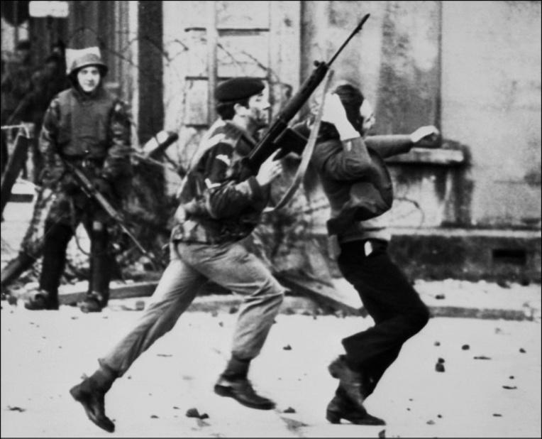 """47 ans après le """"Bloody Sunday"""", un vétéran britannique poursuivi pour meurtres"""