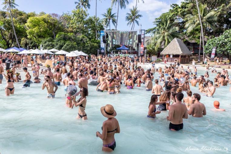 Lors de cette journée festive, qui s'annonce comme la pool party de l'année, la guest star sera accompagnée de DJs locaux pour le warm-up : Temae Records, T-unit et Sam.