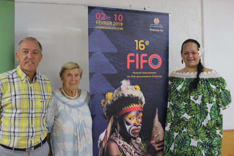 Pierre Ollivier, vice-président et 1er délégué général du Fifo, Michèle de Chazeau, membre du comité de sélection, Mareva Leu, déléguée générale de l'association du festival international du film documentaire océanien (Afifo) (de gauche à droite).