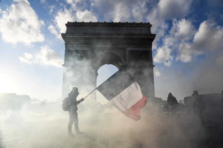"""""""Gilets jaunes"""": manifestations interdites samedi sur les Champs-Elysées et ses abords"""
