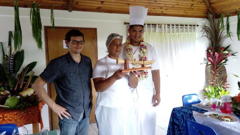 Léonard et sa maman représenteront l'île de Tubuai sur Tahiti, au mois de mai.
