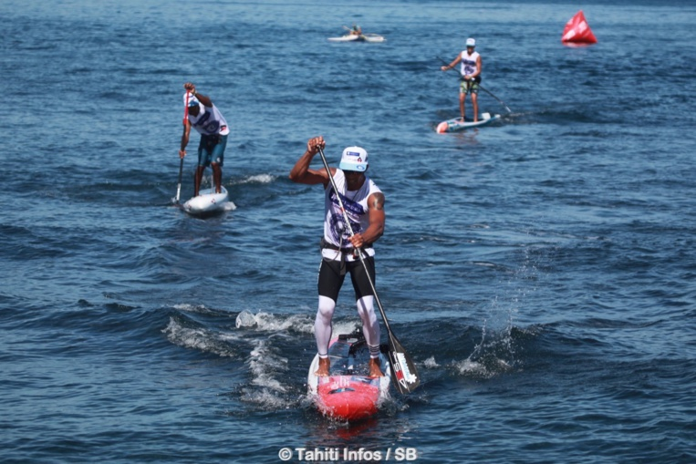 Sup – ATN Paddle Royal race : Georges Cronsteadt devant Niuhiti Buillard et Keoni Sulpice