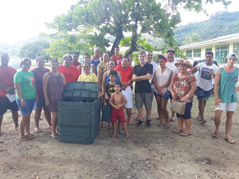 Si une nette diminution des déchets du bac gris des utilisateurs des composteurs est observée, la distribution de ces derniers sera étendue à une plus large partie de la population de l'île.