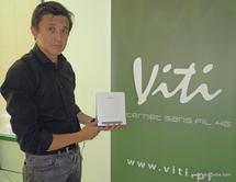 Le directeur commercial Raymond Colombier présente le Modem Viti