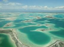 Des habitants des îles Kiribati, des atolls et une île corallienne situés dans le Pacifique Sud, ont déjà dû quitter leurs habitations en raison de la montée des eaux de la mer.