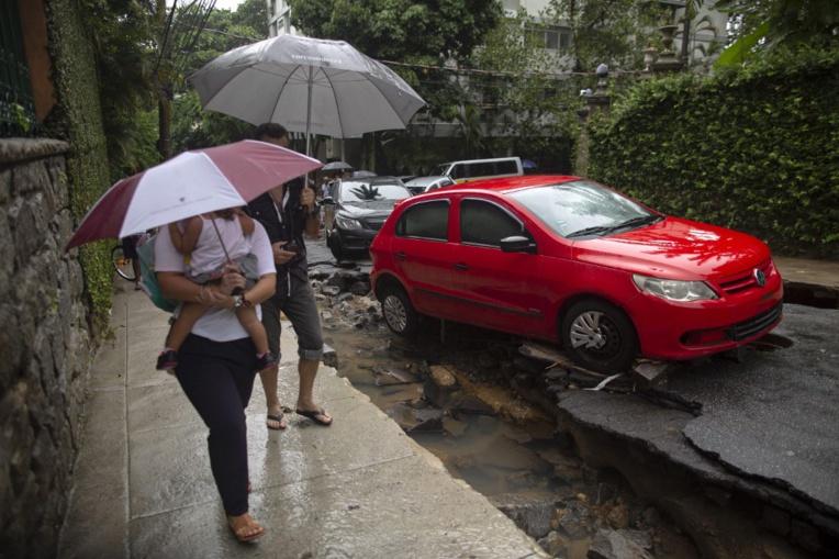 Brésil: au moins 3 morts lors de pluies diluviennes à Rio