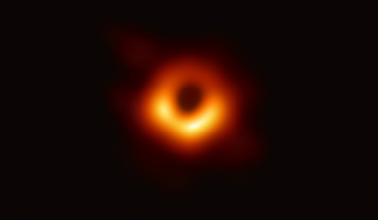 """L'image d'un trou noir, """"la preuve la plus directe de leur existence"""""""