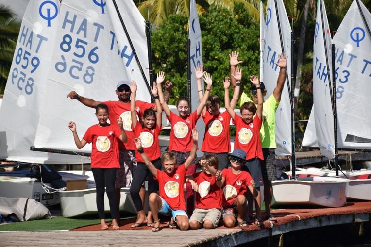 La délégation s'envolera le 15 avril pour Aotearoa. Les premières régates devraient débuter le 18 avril.